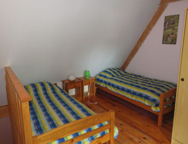 Seconde chambre, deux lits 1 place